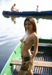 asian naked outdoor (1)