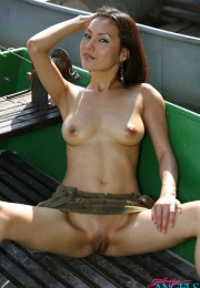 asian naked outdoor (7)