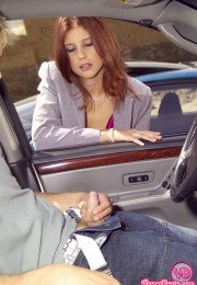 Babe gets fucked in a car (1)